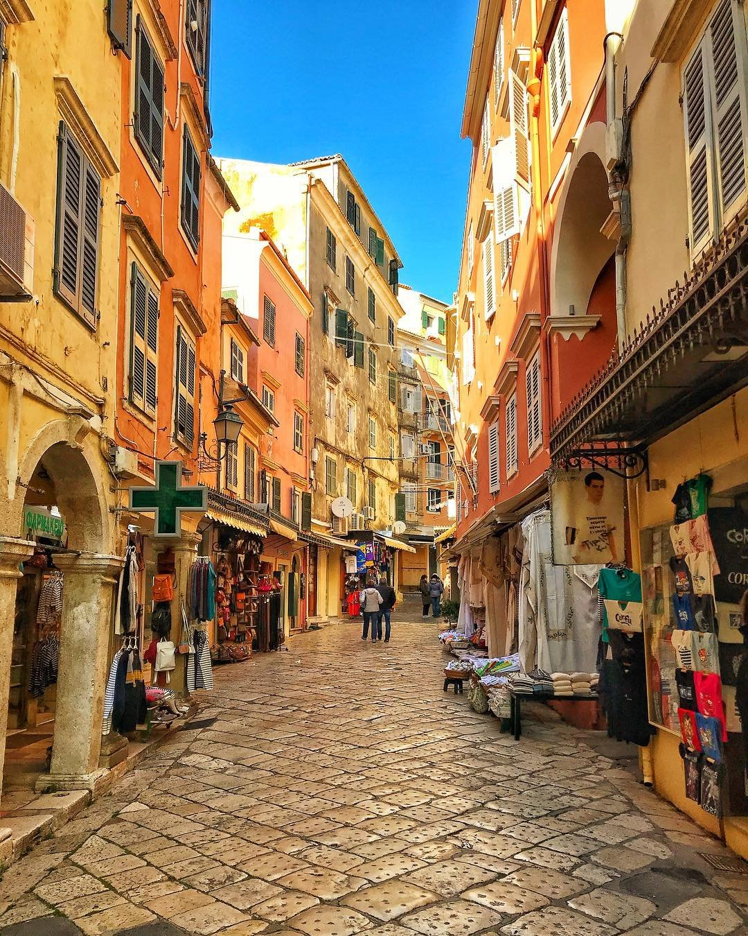 The Old Town of Corfu is a product of the island's Greek, British, French, Ottoman and Venetian past. How many influences can you find here? 💫 #DiscoverGreece Photo by @pan_kli (via instagram.com/pan_kli) ✔️