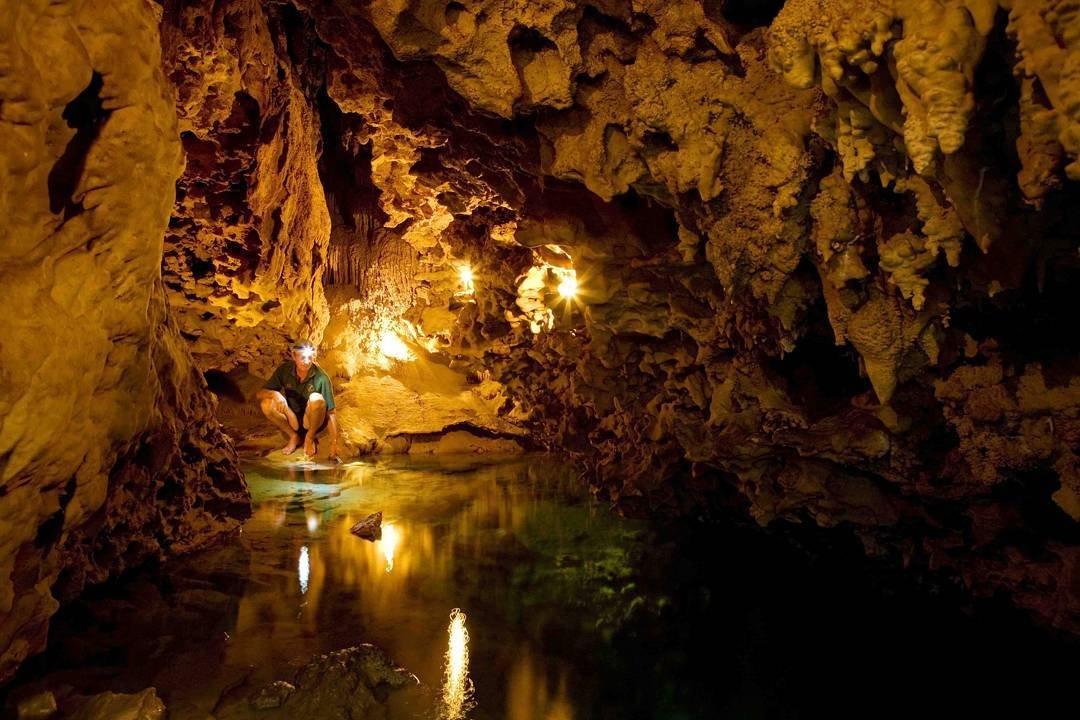 The Anatakitaki Cave in Atiu is an adventurers dream! ...#atiu #cookislands #pacificislands #cave #explore #adventure #travel #instatravel #travelgram #tourism #lovealittleparadise #discovercookislands