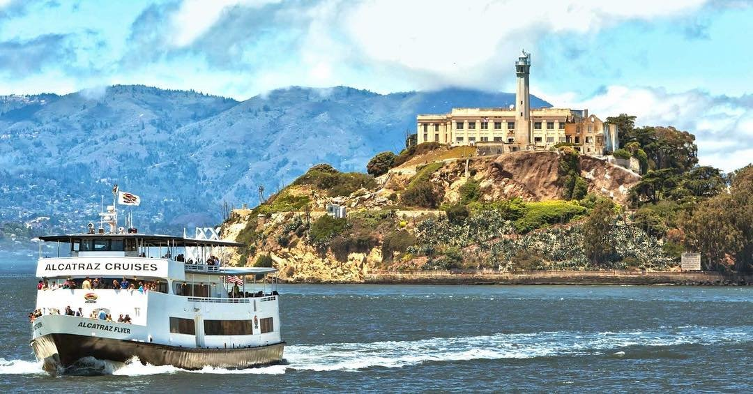 Droom jij van een camperreis in Amerika ? - - Boek dan nu!!! - Link in bio - #America #Travel #USA #RV #Camper #KOA #cruiseamerica #nationalpark #alcatraz #sanfrancisco