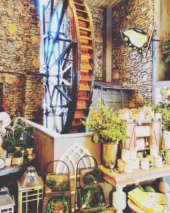 60a5ed7dd5925 Love all the  homedecor goodies and displays at Laurel Mountain HOME shop  at  dollywood