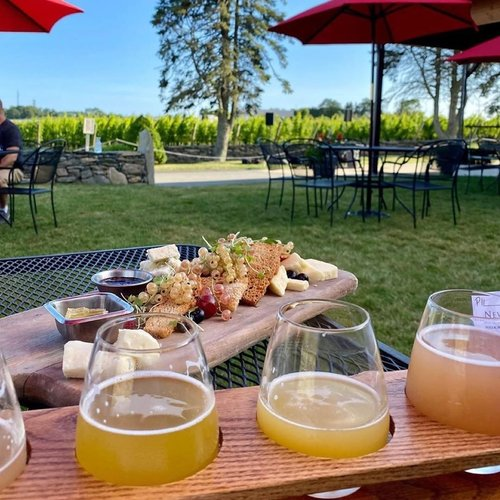 Thursdays are live music nights @newportvines I'll go just for that cheeseboard 🤤 #thursdayvibes #rhodeislandlife #staycation #eatdrinkplaystay #letsallpulltogether #newportvineyards #401love #datenight #newportri #beerflight #winelover #wineflight #cheeseboard #iloverhodeisland   Repost from @newportvines • A beer flight, a cheeseboard & vineyard views are the key to a great weekday. When checking for reservation availability, be sure to check our brewery side too - where wine flights are also available! 🧀🍷🍻