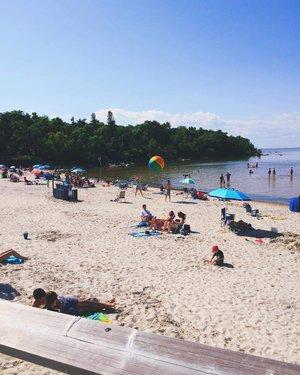这是去大海滩白沙滩旅行的完美周末。 ☀️🏖#explloremb #explorecanada