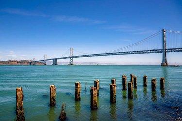 #sanfrancisco #baybridge #oakland #california #landscape #bridge #bluesky #sea #ocean #bayarea #californiadream #tbt #dslr #canon #6dmark2