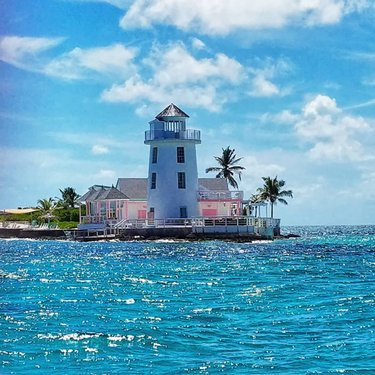 Official nassau paradise island bahamas vacation guide pearl island bahamas bestpicture traveler backpakers bahamas sunshine fandeluxe Gallery