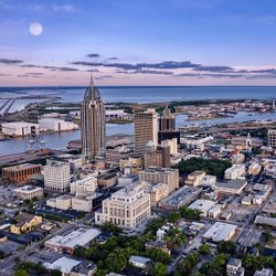 Downtown Mobile #thisisalabama #mobilealabama #dronephotography #mavicpro2 #arialphotography #photography #sunset #moon #cityphotography #rsatower #downtownmobile #dronealabama #allthingsmobileal