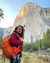 5 years ago I looked at this wall and was absolutely blown away when I heard people try to climb it. . But one day I woke up from a dream. A dream to complete what to me today seems like the impossible. . Today I take the first step into pursing this dream. . The dream of climbing El Capitan. Sleeping on a porta ledge 2000 feet in the air looking back at this exact moment. . The coming months you will get the chance to see my process, from A to Z I will be sharing my journey to pursue this dream. . It's not going to be easy, and by no means am I a pro, but that's the beauty of this journey, this dream. The challenge to get to that level, the people that I will surround myself with to achieve it and best of all, the knowledge it's going to bring me to better help myself understand this crazier journey they call life. . So follow the journey as I push forward with this new chapter of my life to not only get outdoors more but to challenge everything I have ever known! . #elcapitan  #climbon #thejourney