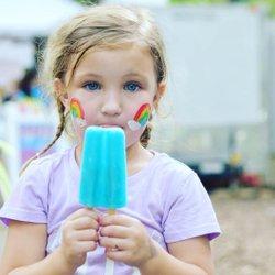 Find someone who looks at you, like a kid look at popsicles. #lifeinjacksonco  Photo Credit 📷 lifesmirrorimages  #sweethomealabama #thisisalabama #alabamaeats #tasteofalabama #VisitNorthAL #onlyinalabama #alabamathebeautiful❤️ #eatlocal #eatwellbewell #foodtrip