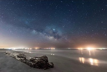 A breathtaking night shot captured in Dauphin Island, Alabama. Photo credit belongs to zer0_exposure. #al #alabama #onlyinyourstate #nightshot #nightphotography #sky #stars #starrysky #galaxy #dauphinisland #gulfcoast #beach #ocean #mobilebay alphotography #alphotographer #alabamaphotographer #alabamaphotography #outdoors #nature #thisisalabama #photooftheday Tag #onlyinalabama to have your photo featured 📷😁