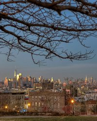 #sunset #happyholidays #sunsetparkbrooklyn #brooklyn #newyorkcity #newyork #nyc #wanderlust #newyork_instagram #nycprimeshot #nycdotgram #instagramnyc #icapture_nyc #welovethiscity #what_i_saw_in_nyc #justgoshoot #positiv_newyork #newyork_ig # ig_worldclub #igworldclub #TimeOutNewYork #instagood #instaphoto #nycskylines #sky_high_architecture #architecture #architecturelovers #architecturephotography #streetphotography #ig_nycity