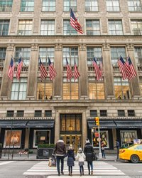 Saks Fifth Avenue #nycprimeshot #earthfocus #earthpix #newyorkcity #crosswalk #architecturephotography #nypost #ig_colour #icapture_nyc #what_i_saw_in_nyc #loves_nyc #ig_nycity #andrewwhinney #nikonusa #newyork_instagram #topnewyorkphoto # Starsandstripes #streetphotography #saks #street #yellowcab #fatalframes #nikonphotography #gramslayers #newyorkgram #travelnyc #nycgo #nyc_explorers #nyc