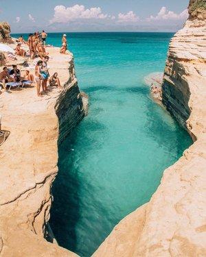 There is a crack in everything, that's how the light gets in. Leonard Cohen ✨?☀️?? . . . . . #greece #holidays #quoteoftheday #quote #vacation #followme #followmeto #sea #beach #mountains #island #mediterranean #travel #travelgram #europe #european #crack #trip #swim #swimming #instamood #sunshine #instagreece #greek #instagram #vsco #paleokastritsa #corfu #corfuisland