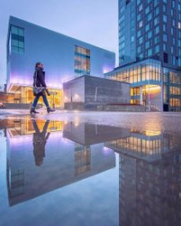 With more spring weather in the forecast there's plenty of time to capture some amazing puddlegrams around the city like this epic shot of ottawaartgallery! 💦 Got a great puddlegram to share - tag it #MyOttawa for your chance to be featured! . 📷 avolossov #MyOttawa #Ottawa #puddlegram #DiscoverON #ExploreCanada