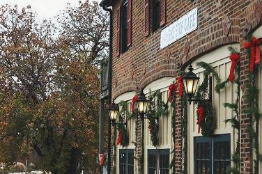 St. Charles Christmas Traditions | Event Dates & Details