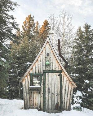 住在冬季小屋的最佳部分 - 在树林里长时间穿雪鞋后,一个古怪的小桑拿浴室可以让你温暖起来。 ❄️😍。 。 。 。 。 。 。 。 。 #imagesofcanada #lovecbcmb #sonyalpha #exploreMB #winnipeg #canada #wpg #enjoycanada #exlorector #explorecanada #stayandwander #artofvisuals #thecanadiancollective #letsgoeverywhere #paradisecanada #theoutbound #greatnorthcollective #thevisualscollective #folkgood #moodygrams #wanfolfolk #agameoftones #sheexplores #optoutside #womenwhoexplore #yourmanitoba #sharecangeo #ridingmountain
