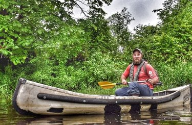 Meet the @a_dude_and_a_canoe this guy loves to fish the #lazyriver caught a #muskie before we even got there! Nice meeting you tonight brother! Looking forward to a fish in the future! #helikestofish #fishing #dudelikestofish #sportspal #muskieslayer #kayakfishing #getoutside #goatworthy #photoshopped #greatoutdoors @tweedontario @hastingscounty @bayofquinte @alyssalloydphoto @adventurecanuk #comewander #freedomfinder