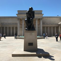 "Il ""The Thinker"" di Rodin che mi accoglie al Legion of Honor Museum di San Francisco #sanfrancisco #legionofhonormuseum"
