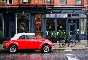 I love walking through West Village after it rains! • • • #anewyorkstory #dream_new_york #ilovenyc #ispyny #made_in_ny #instanyc #newyork #newyork_feature #newyork_instagram #newyorkarea #newyorkcity #newyorkcitylife #newyorklife #newyorkphotos #newyorkstateofmind #nyc #nycpostnyc #nygram #nyloveyou #picturesofnewyork #prettycitynewyork #streetsofnewyork #thebigapple #thestreetsofnyc #thisisnewyorkcity #travelerinnewyork #visitnyc #visittheusa #what_i_saw_in_nyc #wildnewyork