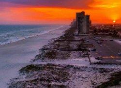 That's our Gulf Coast! #takeyourbreathaway Saturday sunset! Photo: Benjamin Cash . . . . . . #gulfcoast #alabama #thisisalabama #beaches #beachlife🌴 #alabamaoutdoors #sunsets #sunsetbeach #sunset_pics #sunsetlover #sunset_love #sunset_rv #sunset_hunter #gulfshores #orangebeach #loweralabama #southalabama #gulfofmexico #nature_good