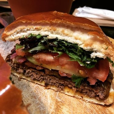 🍔😍 undeniably my favourite restaurant around  #foodlover #hamburger #trufflesburgerbar #omnomnom #cornwallontario #squishmypattiebecauseitstoobigformymouth