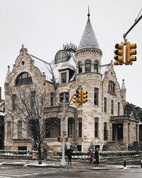 Pretty NYC 💗 Very light snow flurries earlier ❄️