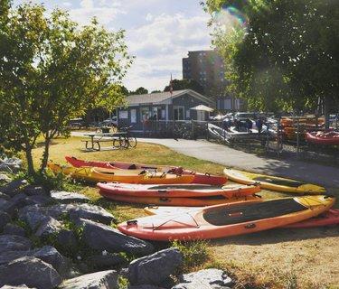 Sunday mornings should always be spent on the water 🌞  #ygk #kingston #visitkingston #kingstonontario #mydowntownktown  #greatwaterway #kpass #ahoyrentals #kayaking