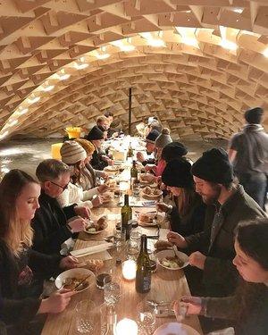 with在我最喜欢的女士们的冰河上度过了一顿美妙的晚餐❄••#findyourwayhome #ilovemycity #winnipegwinter #rawalmond #theforkswinnipeg #exploremb #manitobarealtor #remax