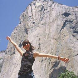 Eu a majestosa El Capitan atrás de mim. Que lugar incrível! Quero voltar logo!😍⛰ #yosemite #yosemitenationalpark #elcapitanyosemite #roadtrip #summer #summertime #verao