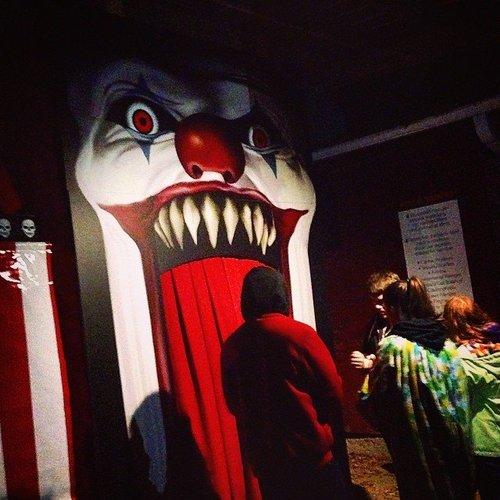 Carnevil #decor #creepy #entrance #clown #farm #manitoba