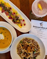 Nosso cardápio Restaurant Week é cheio de sabor, cor e uma pitada de amor. Você pode encontrar-se a voltar novamente e novamente...... #dinelikeaking #kingside #midtowneats #kingsidenyc #gerbergroup #viceroy #nyceats #foodie #centralparkeats #nycexperience #bestofnyc #foodie #eatingwell #eatingfortheinsta #forkyeah # foodilysm #eater #eatfamous #buzzfeast #forkfeed #dailyfoodfeed #bestfoodworld #insiderfood #droolclub #sushitime #midtownnyc #nycrestaurants #nycrestaurantweek #restaurantweek