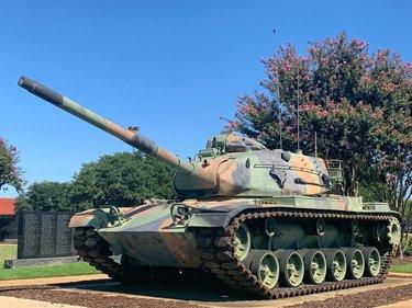 #veterans #tuscaloosa #alabama #estadosunidos #tank #SightOfAlabama, #ScentOfAlabama, #TasteOfAlabama, #SoundOfAlabama, #FeelingOfAlabama alabamatravel