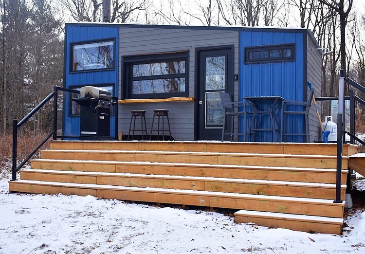 Awesome Experience A Winter Getaway In This Cozy Off Grid Cabin Download Free Architecture Designs Viewormadebymaigaardcom