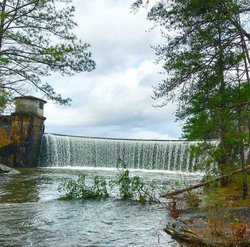 So. Much. Rain. ☔🌧🌂Makes for a beautiful spillway at Lake Harris! Photo courtesy of night_tripper . . . . . . #tuscaloosa #oneandonly #Ttown #tuscaloosaalabama #titletown #tuscaloosacounty #getyourbamaon #hikealabama #uofa #universityofalabama #collegecampus #blackwarriorriver #lakeside #lakeliving #bamagram  #riverside #sunrise #sunset #collegelife #naturelovers #nature #getoutside  #rtr #rolltide #thisisalabama #Godscanvas #waterfalls #waterfall