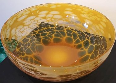 Mellow yellow #glassblowing #jameswardhaughglass