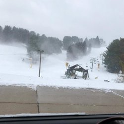Oh the snow guns are on? EXCELLENT! @k__eight @dylanfr58 #winterishere #timetoshred