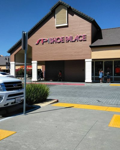 Vacaville Outlets Map >> A Survival Guide To Holiday Shopping At The Vacaville
