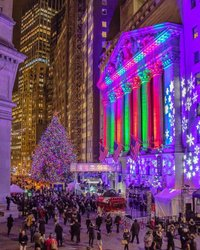 Thank you @nyse and @mkobach for an amazing evening at the New York Stock Exchange on Wall Street for the 95th Annual Tree Lighting 🎄 •••••••••••••••••••••••••••••••••••••••••••• Check out the amazing talent tagged I ran into...aka my friends 😃 •••••••••••••••••••••••••••••••••••••••••••• #nyc #newyork #seeyourcity #instagramnyc #newyork_instagram #icapture_nyc #ig_nycity #nycprimeshot #loves_nyc #instagram #divine_worldplaces #newyorkarea #nybucketlist #travelnyc #beautifuldestinations #nyloveyou #timeoutnewyork #newyorker #nycityworld #NY1pic #thisisnewyorkcity #what_i_saw_in_nyc #wonderful_places #nbc4ny #abc7ny #mysecretnyc #nypostnyc #canonusa #nyse #wallstreet
