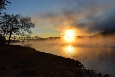 Photo by muscle_shoals_nha, caption reads: Our first #msnhaphotocontest amateur winner is Patricia Horton. Patricia loves to watch the sun rise in #McFarlandPark - in fact, she loves the park so much, she married her best friend there in 2016! Congrats Patricia! #msnha #VisitFlorenceAL #thisisalabama #alabamathebeautiful #alabama #FlorenceAL #myuna #Shoals #theshoals #nps #nationalheritageareas #UNApublichistory #AlabamaTravel #visitnorthal